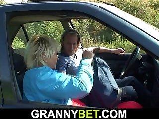 He fucks 80 yo blonde roadside