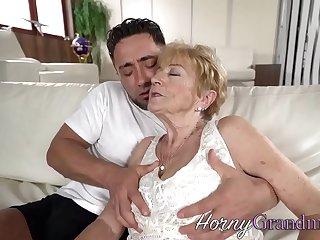Granny slut facialized after fucking