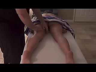 Giving allies mamma a massage